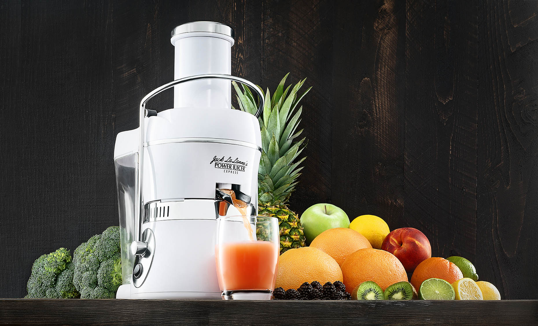 Kitchen-still-life-juicer