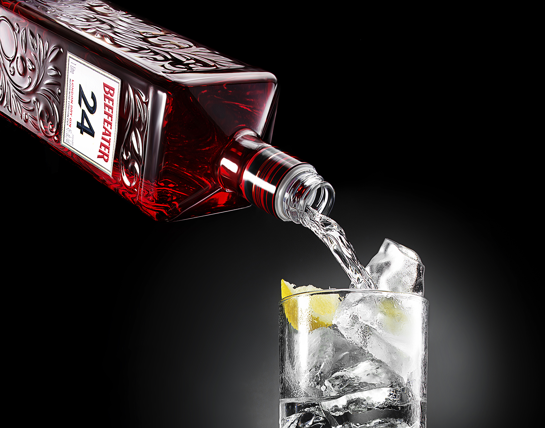 New-york-beverage-photography-Beefeater-Pour