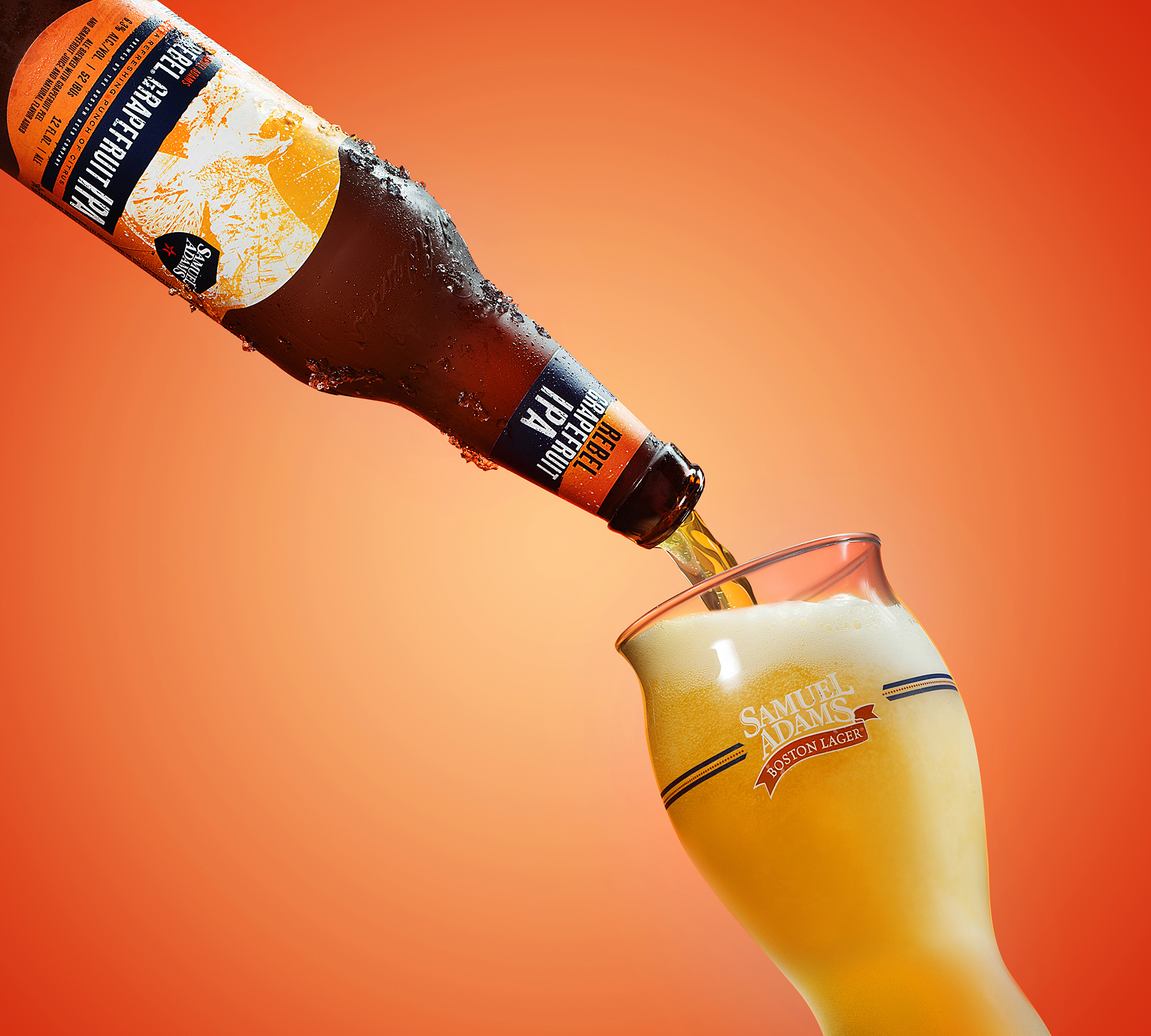 New-york-still-life-beverage-photographer-pouring-beer
